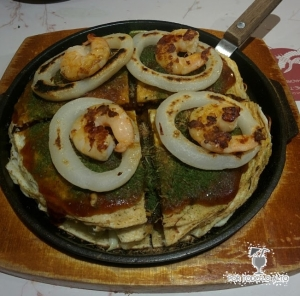 Okonomiyaki estilo Hirosima con marisco