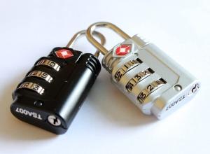 padlocks-597815_960_720